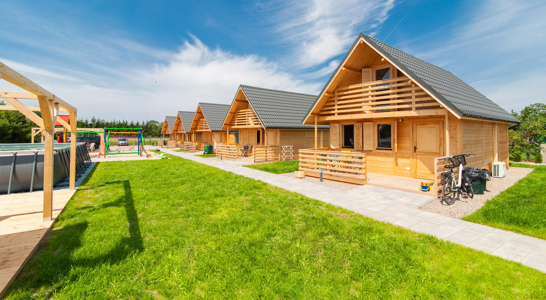Drewniane domki wTrzesaczu